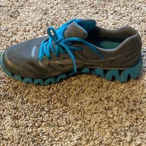 Reebok zig tech tennis shoes